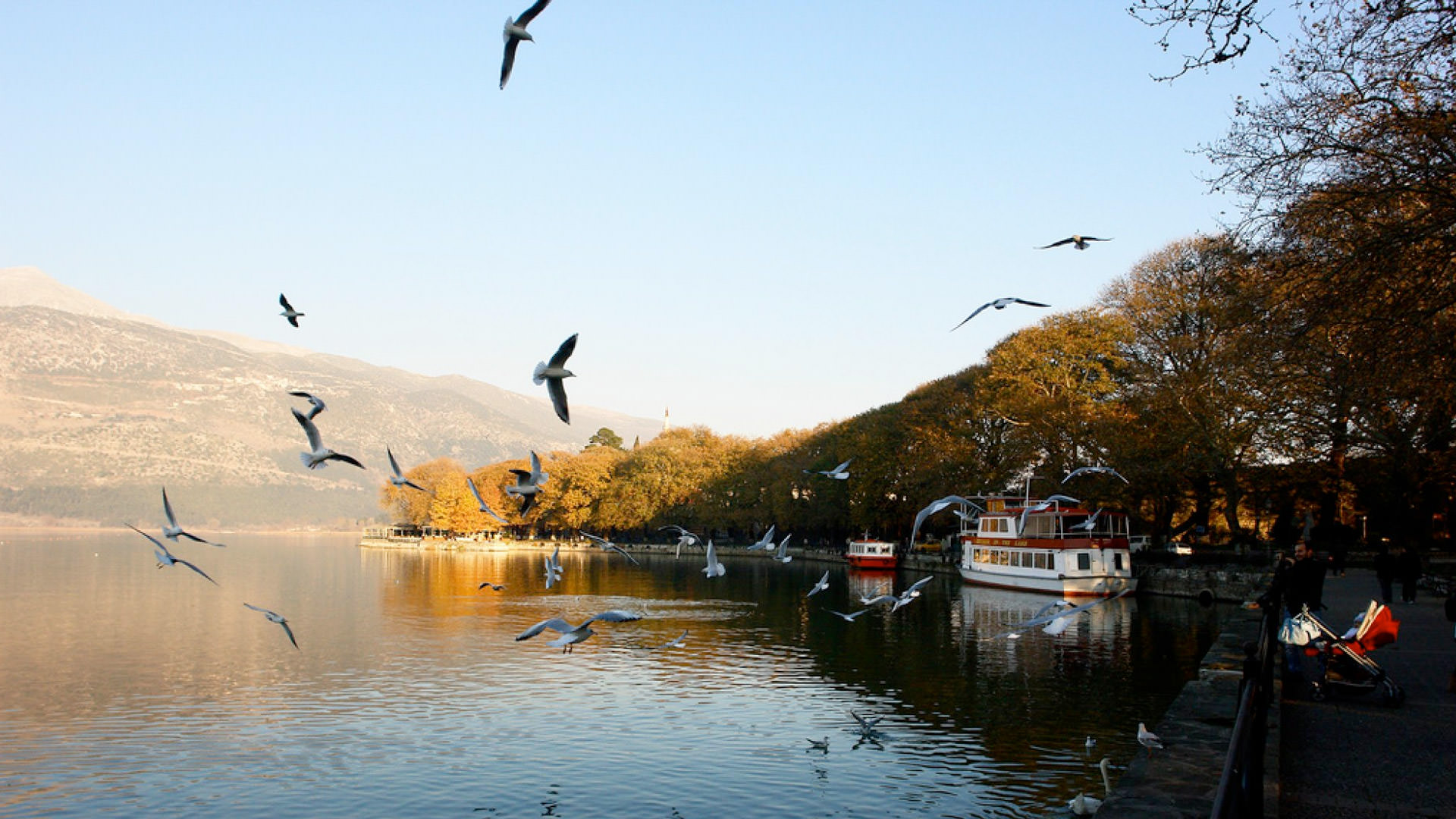 IOANNINA: A TRIP TO THE LAKE AND ITS LEGENDS